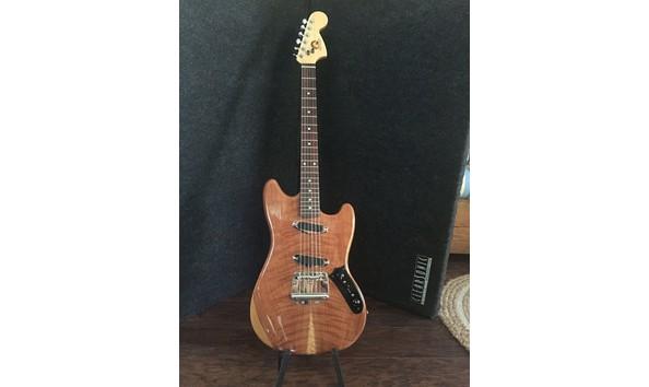 Big image mustang guitar 1